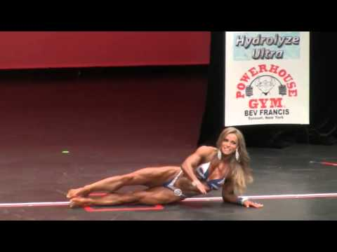 img_8649_juliana-malacarne-2014-ms-women-s-physique-olympia-at-new-york-pro-2014.jpg